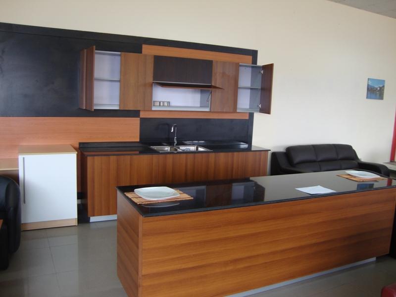 gallery furniture kitchen cabinets